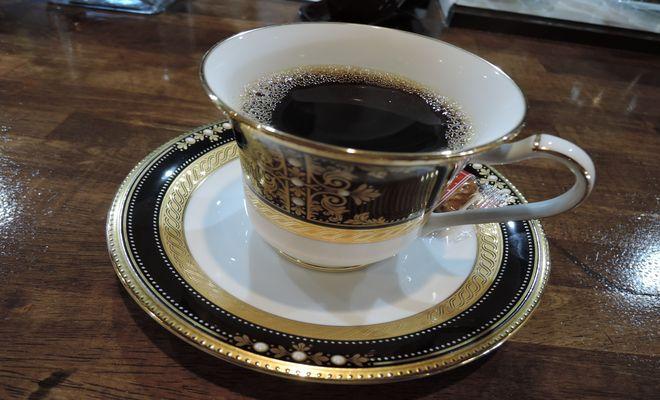 コーヒーは血糖値を下げるの? 上げるの?