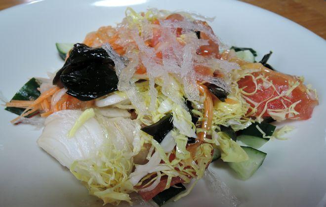 新玉ねぎと糸寒天のサラダ