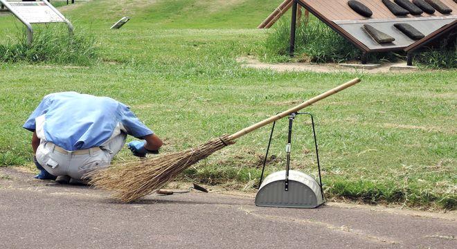 草むしり作業