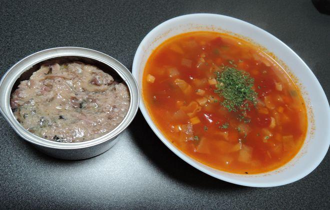 サバ水煮缶とミネストローネ