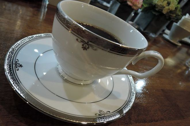 ノリタケのカップ&ソーサー