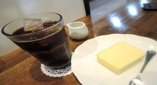 アイスコーヒーとチーズケーキのセット