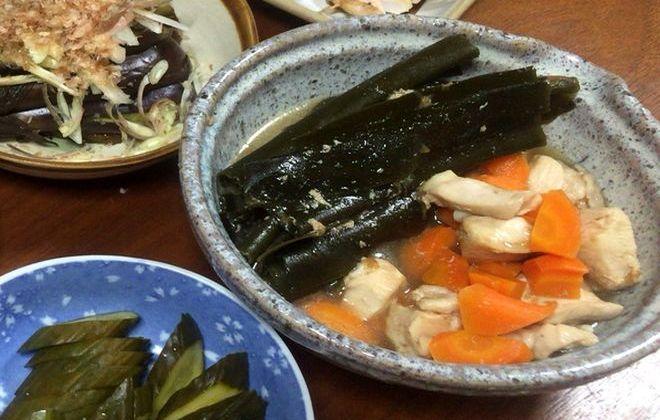 昆布と鳥肉とニンジンの梅煮