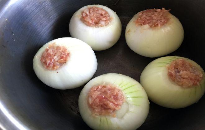 玉ねぎの肉詰め