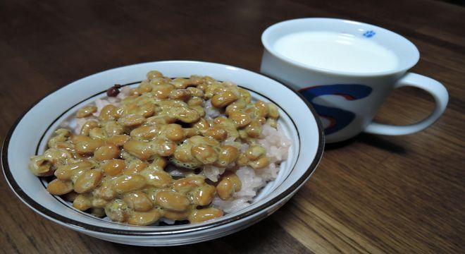 納豆ご飯と牛乳