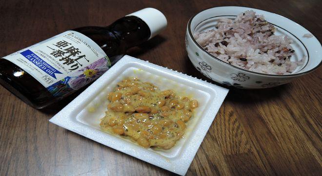亜麻仁油と納豆