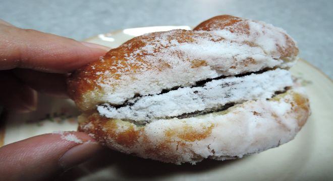 辰己屋製菓の手作りあんドーナツ
